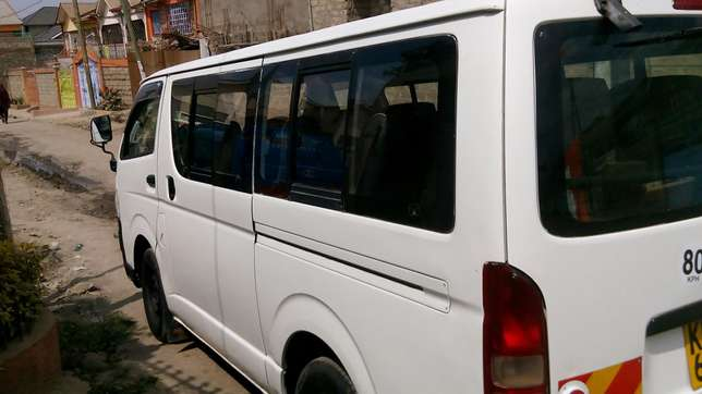 Quick Sale: Toyota Hiace 7L petrol Automatic fitted with 14 seats Komarock - image 2