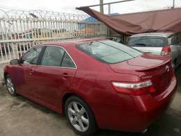 Tokunbo Toyota Camry SE for sale