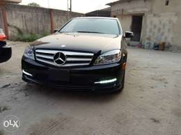 Midnight Black Tokunbo 2011 C300 Mercedes-Benz with pop-up screen