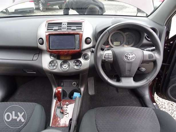 Toyota Vanguard 4WD wine red colour 2010 model excellent condition Kilimani - image 3