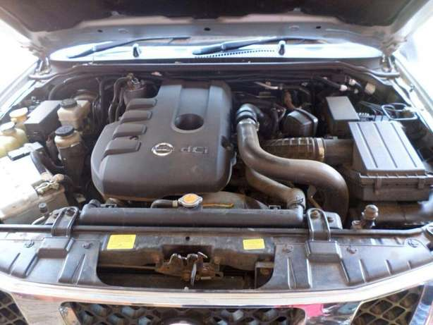 2006 Nissan Navara, auto 2.5L diesel dCI engine, well maintained Karen - image 7