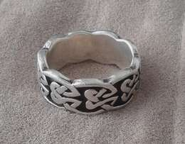 Awesome sterling silver ring with celtic motives