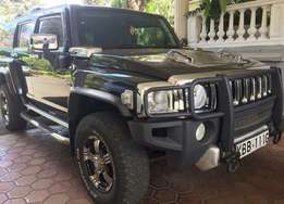 Hummer H3 very clean in Nairobi