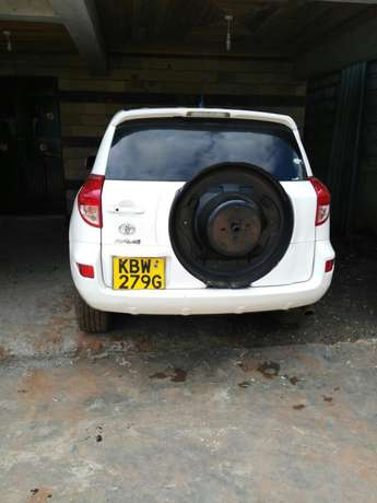 Toy Rav 4 2006 model 2400cc Nairobi CBD - image 3