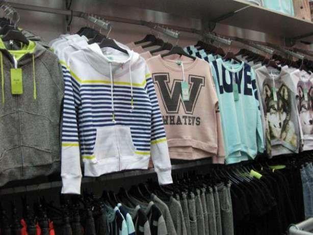 Розпродаємо торгове обладнання (стелажі та стійки) під одяг або взуття Киев  - изображение 1 1bb09d97389b5