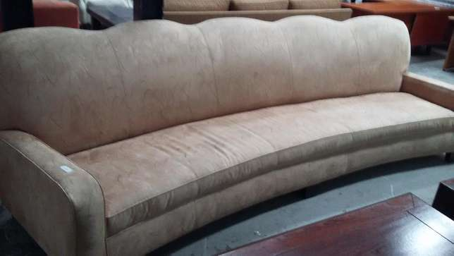 Curved couch Sandton - image 1