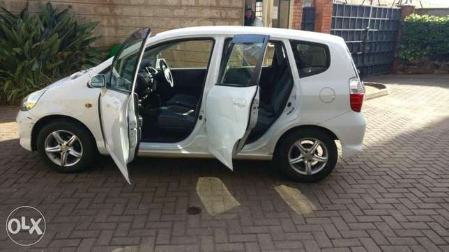 Honda fit used by Indian banker for Sale Westlands - image 5
