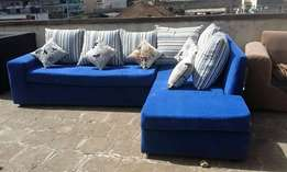 Selling sofa sets at an affordable price