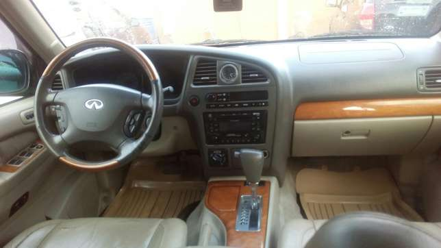 Check this Nissan infinity QX4 out a/c auto drive leather seat alloy Ikeja - image 7