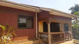 3beds/2baths in Ntinda-Kiwatule Nalya road going for 1M