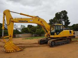 Kumatsu PC 300 Excavator For Sale.