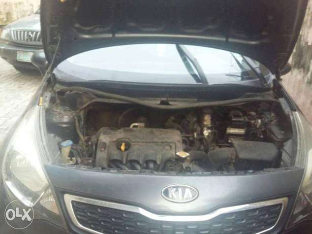 super clean kia rio 2011 model for 1.2m Lekki - image 4