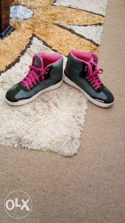 Pink black and white sneakers for an affordable price Kampala - image 1