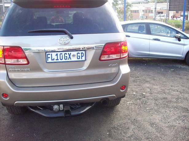 Toyota fortuner 4x4 Model,5 Doors factory A/C And C/D Player Johannesburg CBD - image 4