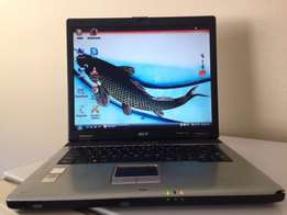 acer travelmate 4050 laptop for sale with good battery life R1800