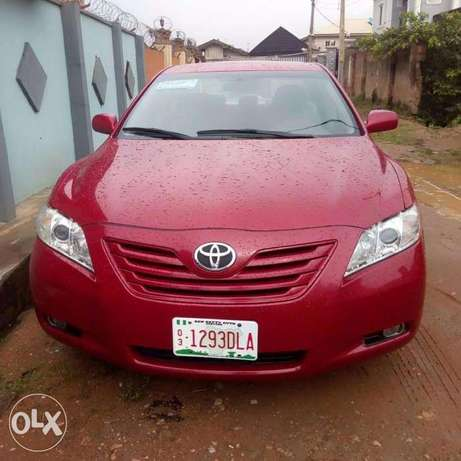 Clean Tokunbo toyota camry 2008 model Ikeja - image 2