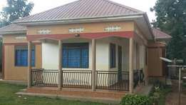 Three bedrooms house in Mukono at 100m