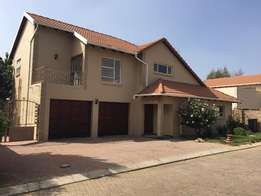 5 bed 4 bath cluster in Broadacres R23.000