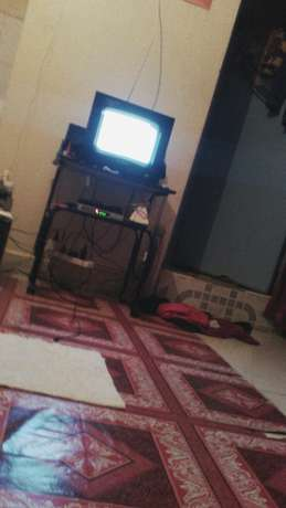 Stand and television, 14inch wegastar in good condition Pipeline - image 4