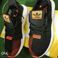 Quality black and orange sneaker