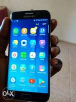 A Neatly use Samsung s6 Edge for sale at kubwa, lasting battery