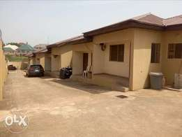 1bedroom flat to let at CBN Qtrs by AMAC market FHA Lugbe