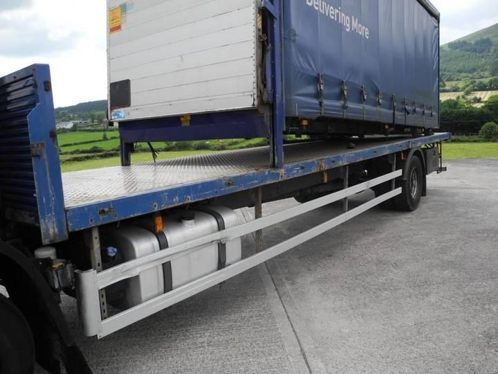 DAF 65 220 platte vrachtwagen - image 5