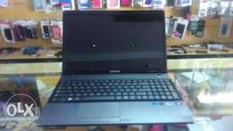 Urgently selling my Samsung i3 NP300E5A very cheap