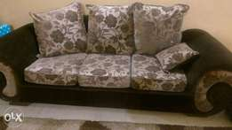 Sofa plus carpet,