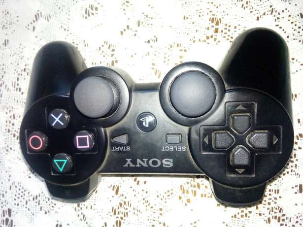 Im Looking for PS3 controller to buy Motsethabong - image 1