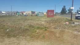 Land for sale or rental in Maluti