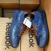 Reebok sneakers shoe