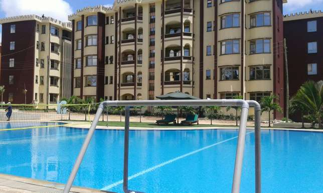 Executive 3bdrm apartment with pool,gym dsq in a serene part of shanzu Nyali - image 1
