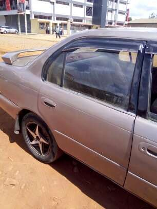 Clean Toyota 100 for sale Thika - image 3