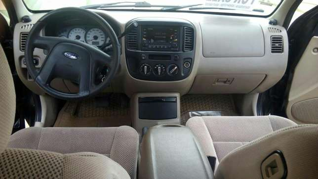Ford Escape 4X4,2006 Automatic Fully Aircondition. Ga West Municipal - image 3