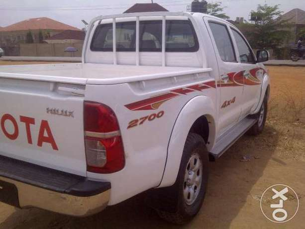 VERY SHARP 2012 Toyota Hilux (High Jack) up for Grabs! Abuja - image 3