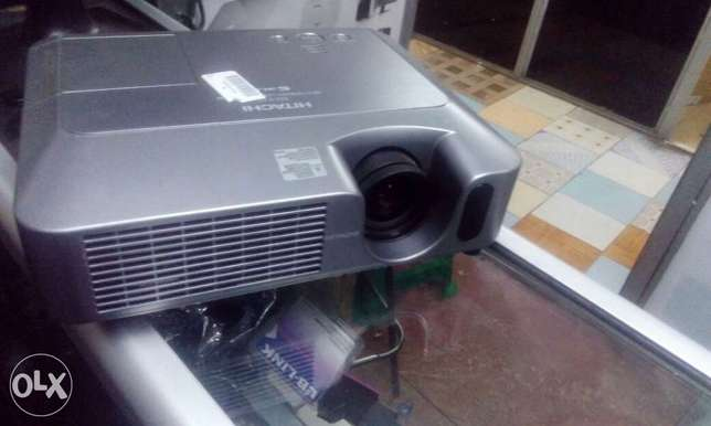 High Quality EX-UK Projectors Nairobi CBD - image 2