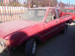 Mazda Bakkie stripping to sell parts