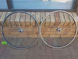 Cycling spare wheels