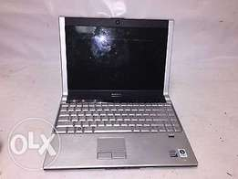 Dell XPS M1330 CORE 2 duo 2gb ram 160gb hdd webcam