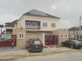 4bedroom semi detach duplex for sale in Chevy view estate