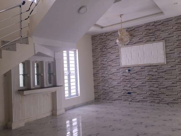 5 beds, 5 baths, 6 toilets plus bq Lekki - image 4