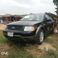 Very clean Registered Ford FreeStyle - 2006