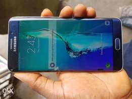 Samsung galaxy s6 edge plus Cracked but working perfect ok