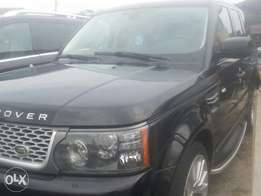 Tincan cleared tokunbo range rover sports 2010 fuloption