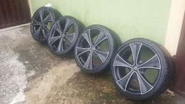 4 psc of 20inches 5 fingers rim and low profile tires (245/35/20)
