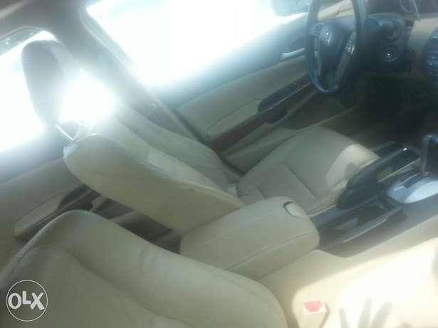 Tincan cleared tokunbo honda accord 2009 leather seat Apapa - image 4