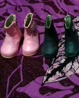 Selling ankles boots for girls size 22