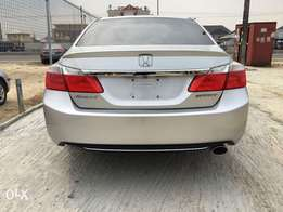 Clean tokunbo 2013 Honda Accord