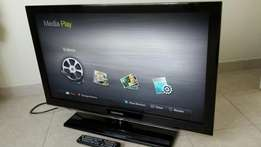 """Like NEW Samsung HD LED TV 39"""" for sale with glass finish"""